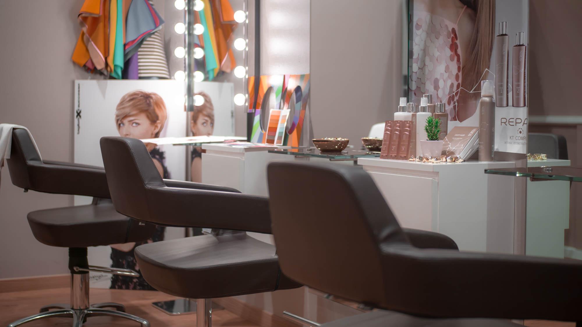 stranamente parrucchieri arredamento